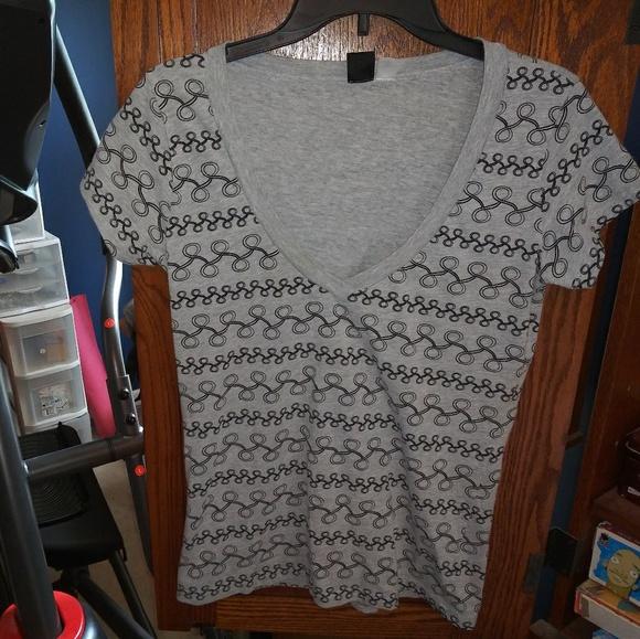 BDG Tops - BDG gray & black v-neck t-shirt size L